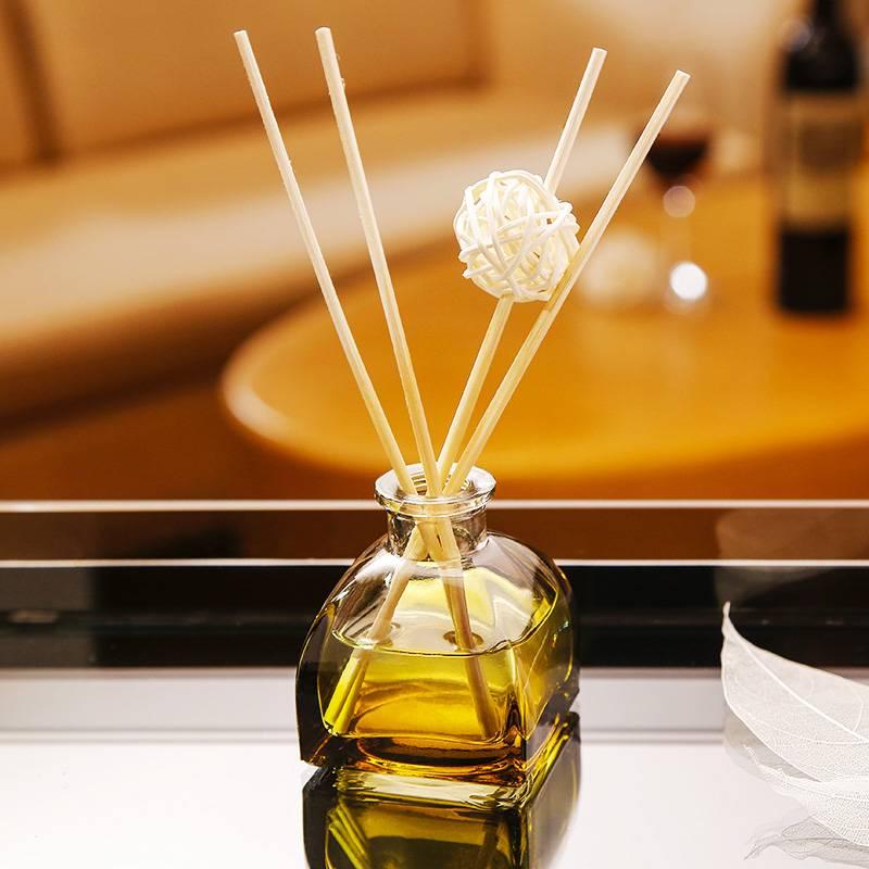 香薰精油卫生间熏香摆件厕所除臭空气清新剂家用室内持久房间香水