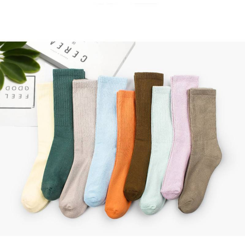 袜子女中筒袜秋冬女士浅口短袜可爱透气吸汗纯色日系棉袜男士船袜