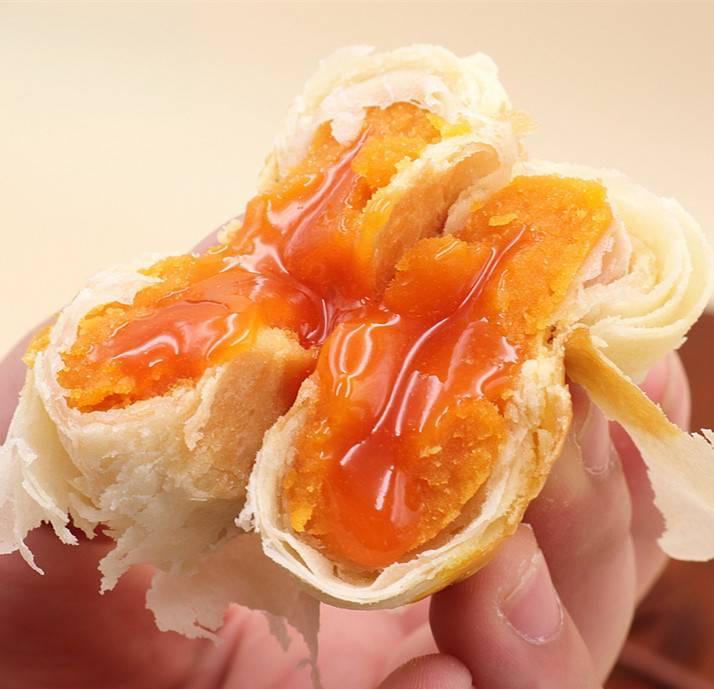 雪媚娘芝士流心酥蛋黄酥爆浆奶黄流心苏式月饼55g散装/礼盒装包邮