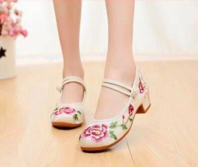 新品愉悦民族风复古古典刺绣牡丹花绣花布鞋舞蹈鞋女单鞋汉鞋风鞋