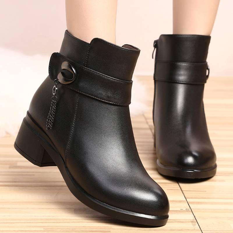妈妈棉鞋女冬季加绒皮靴中年短靴中跟粗跟中老年40岁50棉皮鞋保暖
