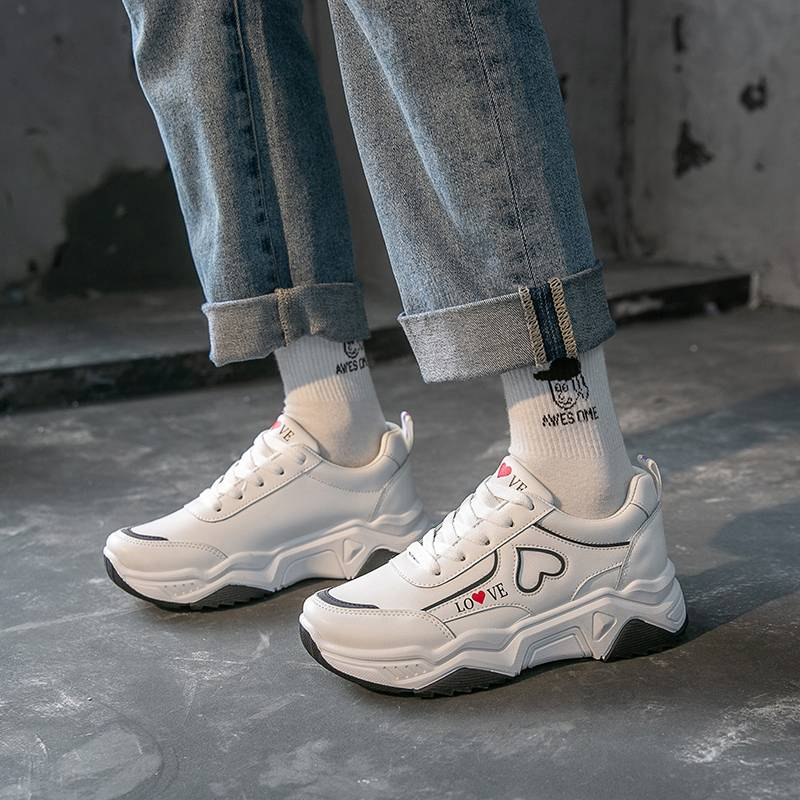 兰茵朵2020春季新款韩版运动鞋女学生百搭老爹鞋女平底跑步小白鞋