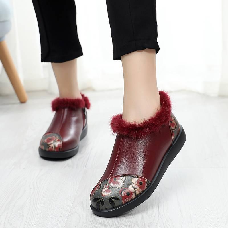 民族风棉鞋女冬加绒复古绣花中老年妈妈真皮短靴平底保暖冬鞋大码