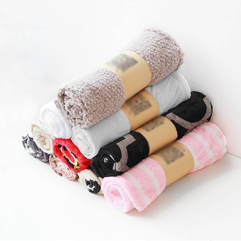 宠物小毛毯狗毯子猫垫猫秋冬猫被子睡觉保暖四季通用珊瑚绒小毯子