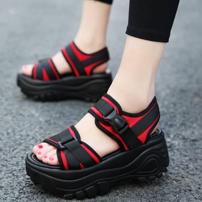 2020新款轻便软底沙滩鞋女松糕跟厚底凉鞋女夏魔术贴学生摇摇鞋子