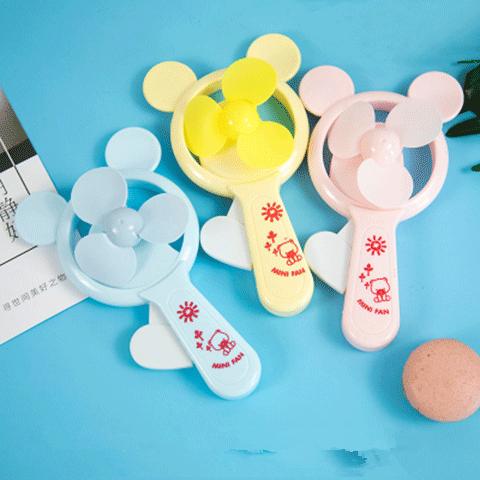 小猪佩琪卡通手压双头小风扇六一礼品手动便携手持手握手摇儿童节