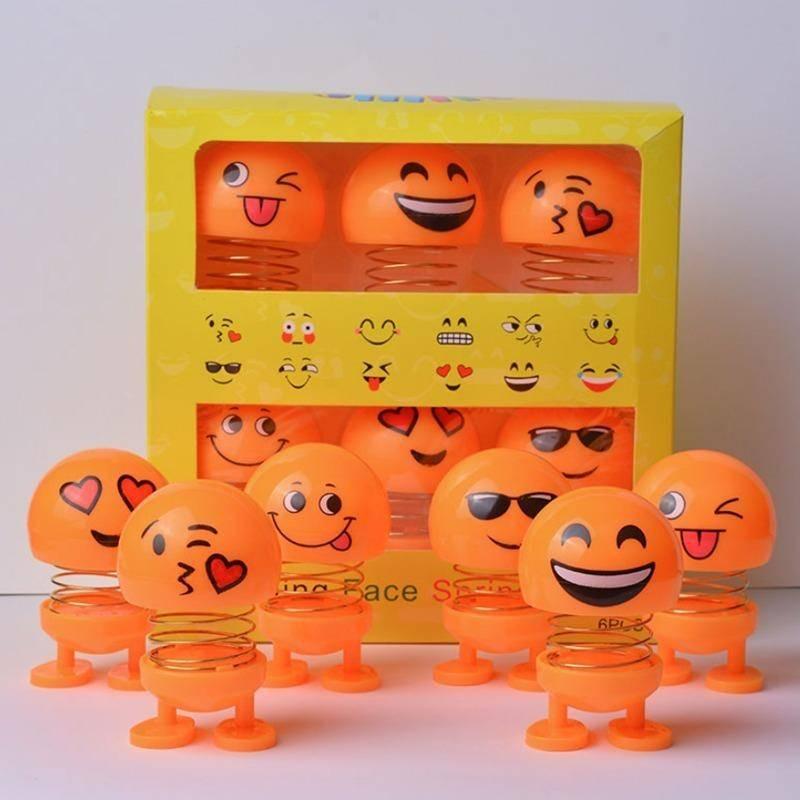 摇头公仔汽车抖音同款摆件搞笑弹簧表情包车内装饰摆件同款玩具